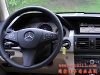 奔驰GLK300无损加装原厂导航 倒车影像,欧卡改装网,汽车改装