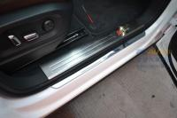 石家庄奥迪Q5加装动态流光踏板施工作业,欧卡改装网,汽车改装