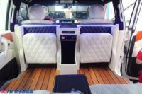 途乐改装米白色航空座椅半隔断吧台升级定制不限,欧卡改装网,汽车改装