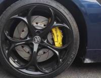 阿尔法·罗密欧Giulia刹车改装前AP9660大六和后AP9202小四,欧卡改装网,汽车改装