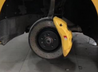 奥迪A4l B9刹车改装阿基波罗大六刹车卡钳,完美制动,欧卡改装网,汽车改装