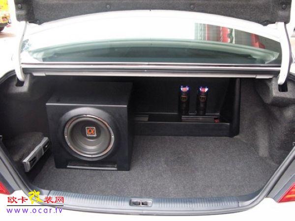 丰田亚洲龙改装汽车音响高清图片
