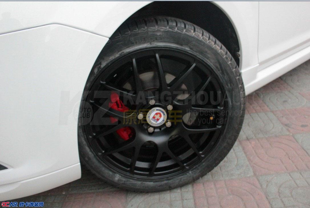 福特福克斯改装轮毂与卡钳喷漆 高清图片