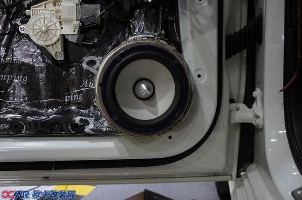 奔驰b180汽车音响改装玩德国零点顶级喇叭主动分频