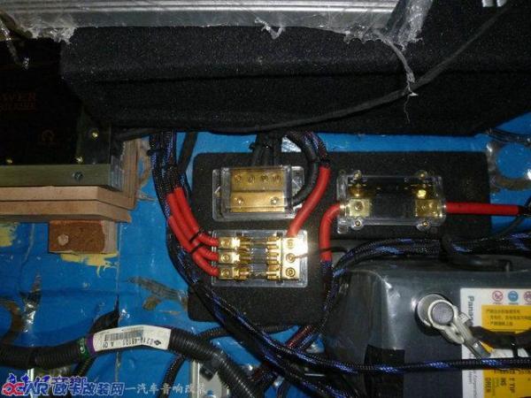 保险盒安装和接线