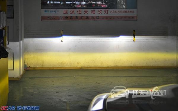 现代ix35原车大灯改装Q5透镜氙灯后外观    ix35大灯改装原厂Q5小糸透镜、全新飞利浦D1S灯泡点亮效果   ix35大灯改装透镜氙灯、雾灯改装黄金眼后整体效果  现代ix35大灯改装上海小糸原厂Q5美标双光透镜近光光型  ix35大灯改装原厂Q5透镜、全新飞利浦氙气灯泡远光效果,雾灯改装黄金眼氙灯效果  想了解更多现代ix35改灯产品和案例资料,欢迎访问任天诚官方网站 www.