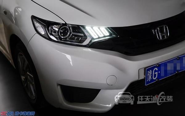 本田飞度车灯改装原厂q5透镜,飞利浦d1s氙灯,专用内胆