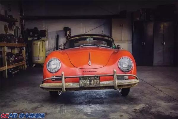 61岁,1.6升,60匹马力,车型356,型号616/1 1600...跟666如此有缘分的一台车,理所当然地在2016年重活了生机,而且身价翻了100倍!  这是一台保时捷356 Speedster,就在今年最后一段法定假日的最后一天,以341,000美元的天价成交,1957年它刚刚上市的时候,售价为3,000美元..