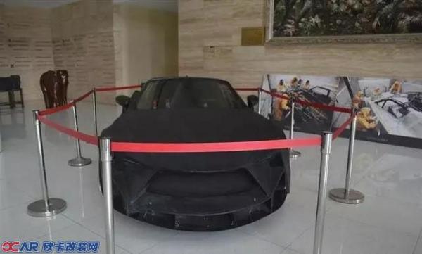 还有更让人难以置信的是这辆车的改装者是几名大学生!图片