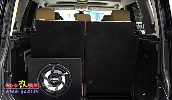 路虎发现3汽车简单的音响改装高清图片