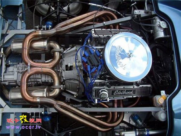 中置发动机的汽车肯定是后轮驱动